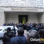 Una folla commossa ha rivolto l'ultimo saluto a Valeria Corna