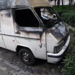 Incendiato il furgone di un ambulante pachistano