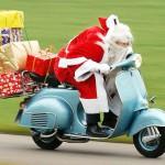 Natale in Vespa, dal Vespa Club dolci e caramelle per i piccoli alunni di Martina Franca