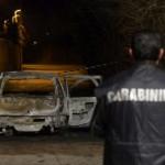 Uomo carbonizzato in auto: suicidio o omicidio?