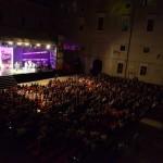 Festival del Cabaret all'Ateneo Bruni. Negato l'atrio (privato) di Palazzo Ducale