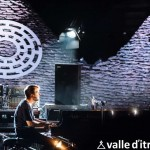 Classica, elettronica e beat fra i trulli. La performance intima di Nils Frahm al Locus Festival