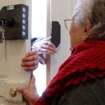 Truffe agli anziani: arrestato un uomo che si fingeva dipendente comunale tra Bari e Martina Franca