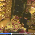 Due donne rubano in un negozio a Martina Franca. Il video fa il giro di Facebook