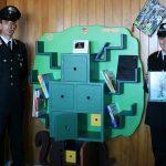 La Befana della Biodiversità. Carabinieri di Martina Franca donano ai bambini scaffali e oggetti in legno