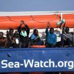 """Sea Watch, Liviano a Salvini: """"Mai sentito parlare di umanità? Come fa a dormire tranquillo?"""""""