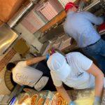 175 pizze donate per festeggiare 2 anni di attività. Anche i ferrovieri regalano viveri