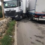 Incidente tra Tir in via Mottola. Strada bloccata