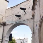 Videocamere Ztl sull'arco antico. Quale spiegazione?